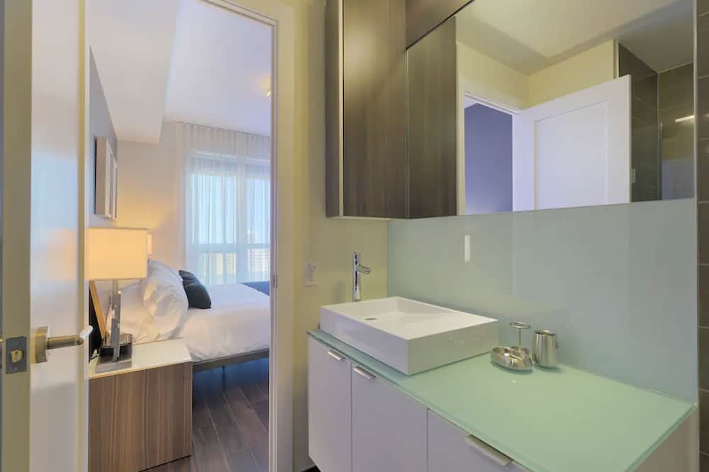 300-front-bed2-delux-img11