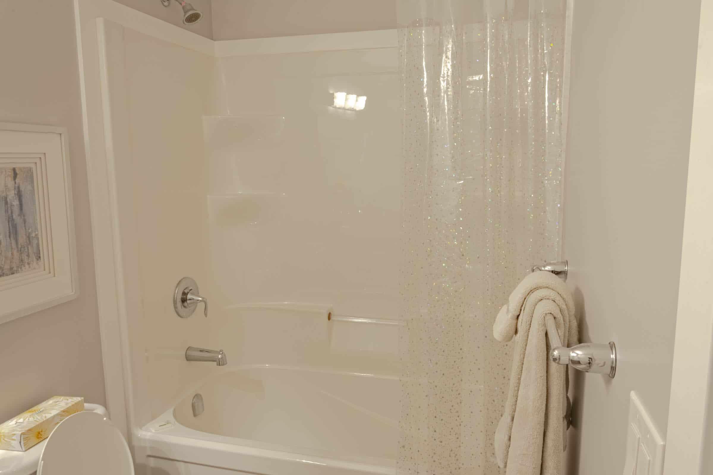 Canterbury 208 Bathroom 2